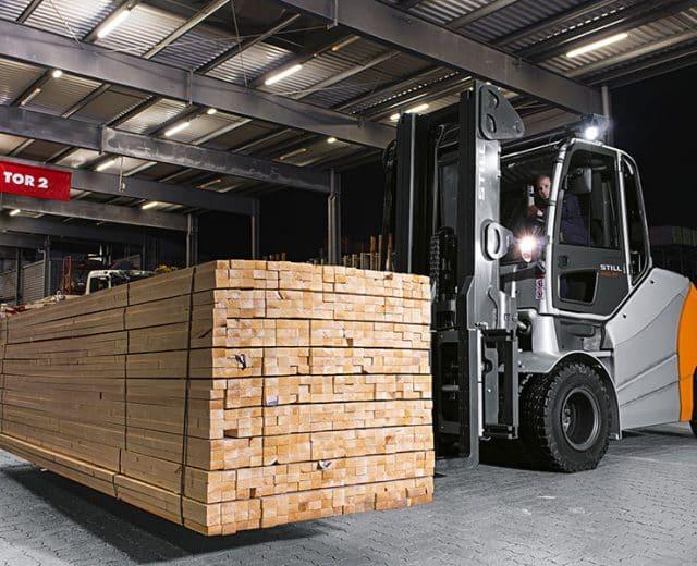 heavy-still-forklift-truck-3