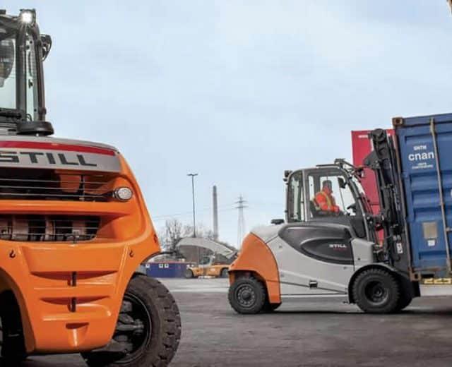 heavy-still-forklift-truck-1
